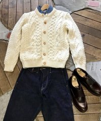 Kerry Woollen Millsケリーウーレンミルズ - Aran Cable Collarless Cardigan   Natural